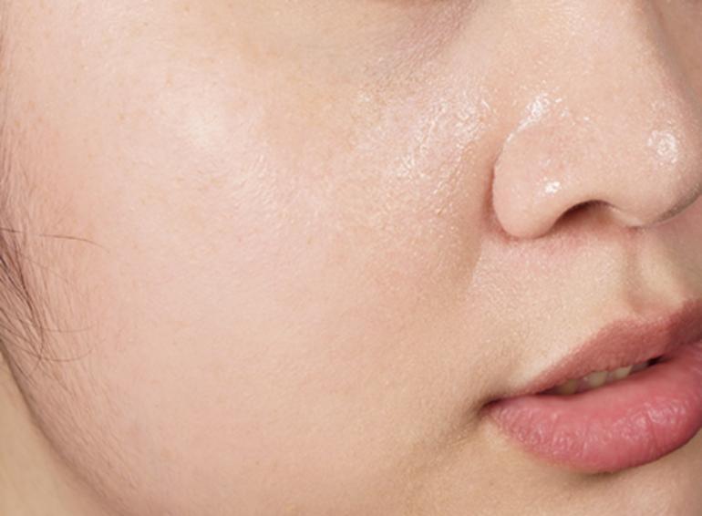 沒用控油妝前乳的樣子,油膩膩的樣子真的好難看