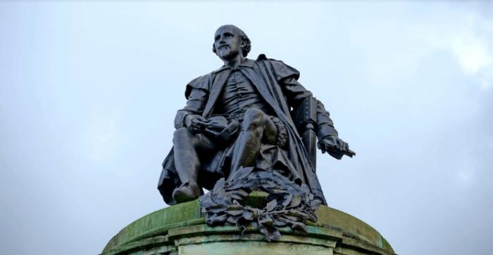 十七世紀的大文豪,  莎士比亞雕像